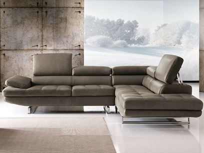 Sectional sofa with chaise longue