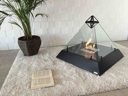 Freestanding fireplace with panoramic glass