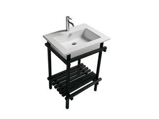3694 Шкафы ванной комнаты и освещение