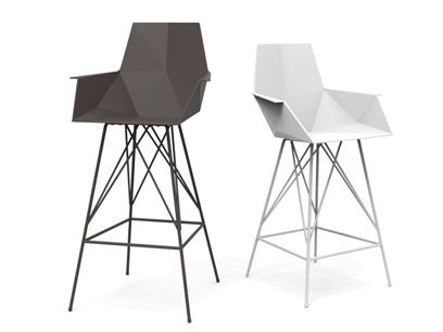 Polypropylene counter stool with armrests