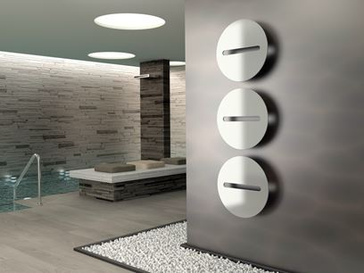 Scaldasalviette design a parete